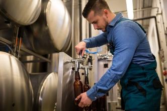 Peractic acid for breweries